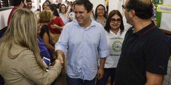 SÃO LUÍS: Prefeito Edivaldo entrega escola totalmente reformada e climatizada na Areinha