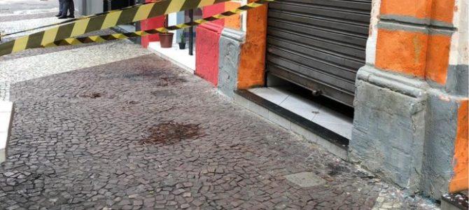 """CRIME BÁRBARO! Travesti é morta a facadas em São Paulo aos gritos de """"Bolsonaro"""""""