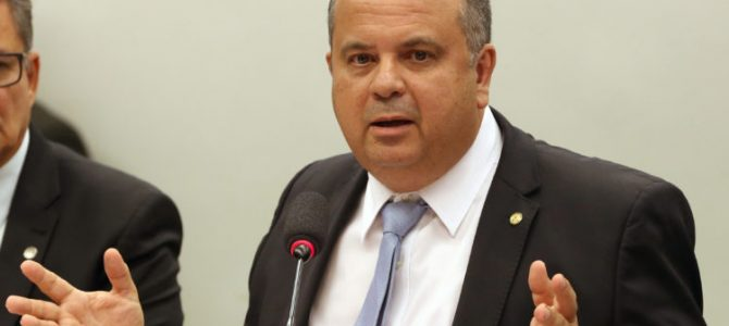 FANTOCHES DE BOLSONARO: Paulo Guedes põe relator da nova lei trabalhista para tocar reforma da Previdência